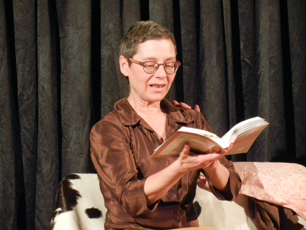 Photo 2 La peau sur les mots - lecture-spectacle